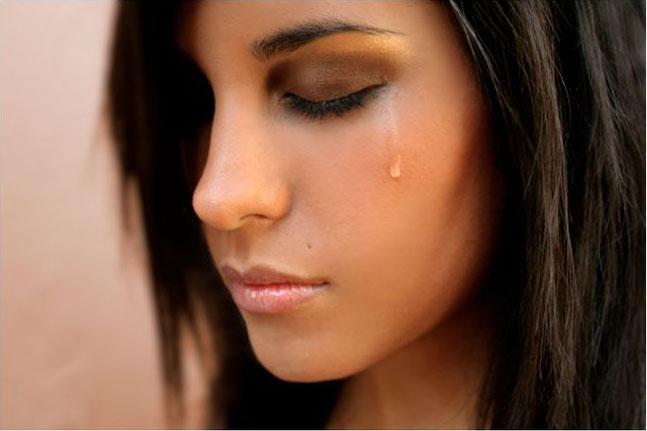 картинки на аву плачущих девушек
